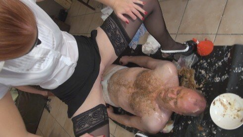"scatqueens-berlin.com update: Lady Amy und Lady Grace Klomaultraining""Part2"""