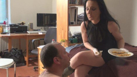 "scatqueens-berlin.com update: Lady Luciana First Time Scat ""Part2"""
